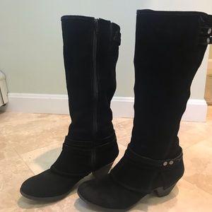 Crown Vintage Black Suede Boots - Size 7.5